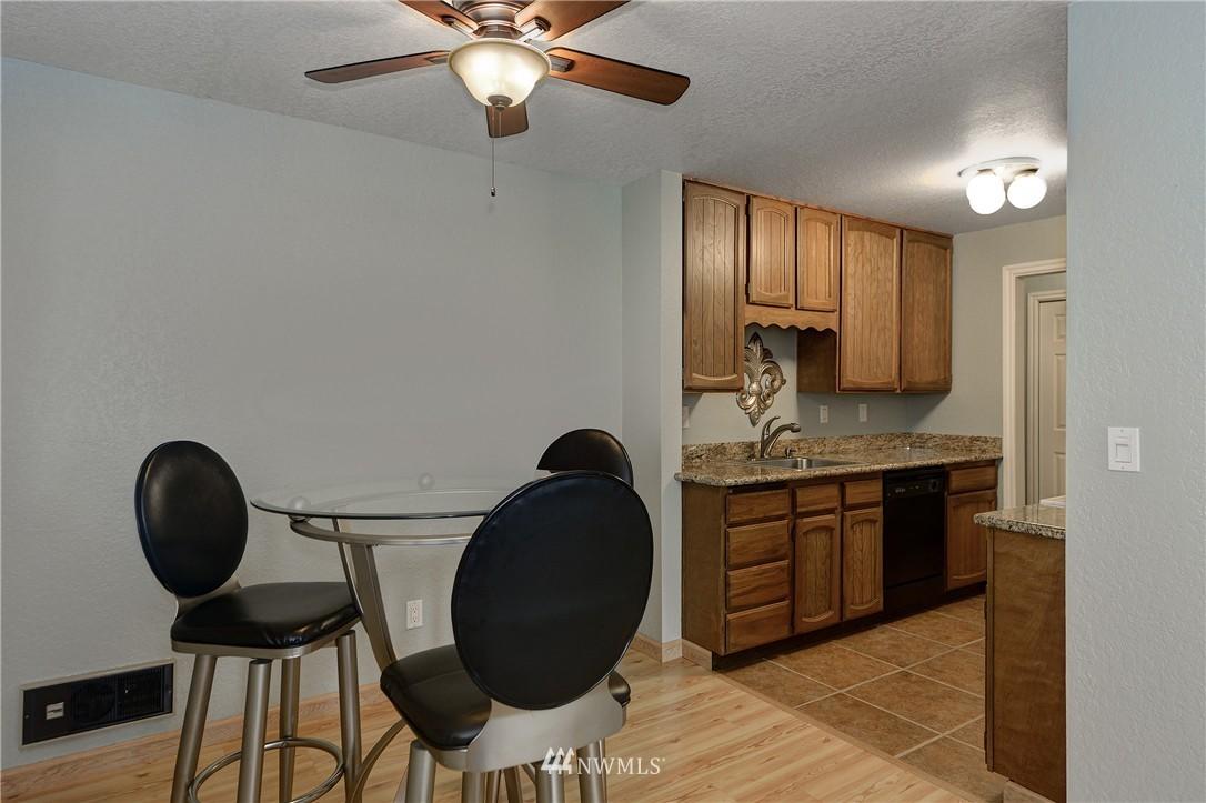 Sold Property | 12035 32nd Avenue NE #305 Seattle, WA 98125 5