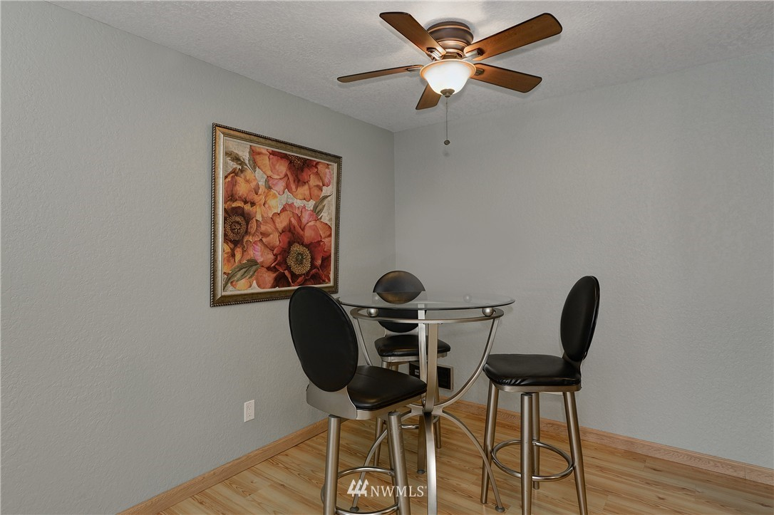 Sold Property | 12035 32nd Avenue NE #305 Seattle, WA 98125 4