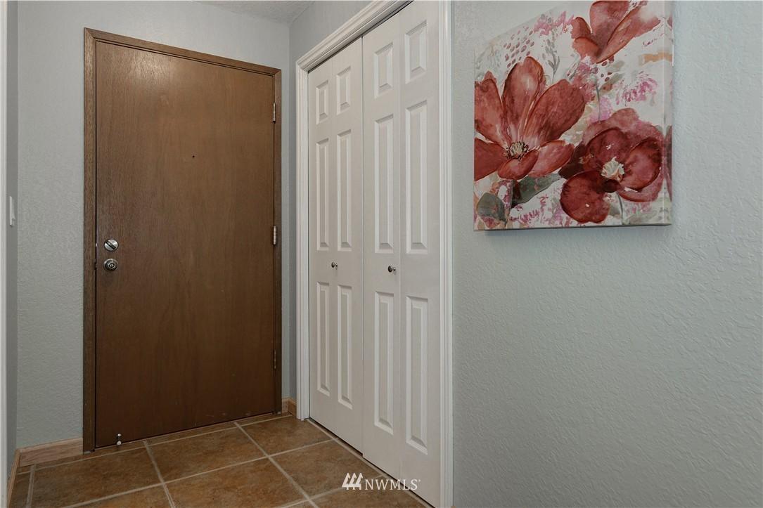 Sold Property | 12035 32nd Avenue NE #305 Seattle, WA 98125 11