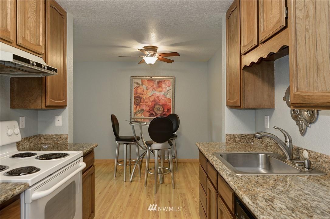 Sold Property | 12035 32nd Avenue NE #305 Seattle, WA 98125 7