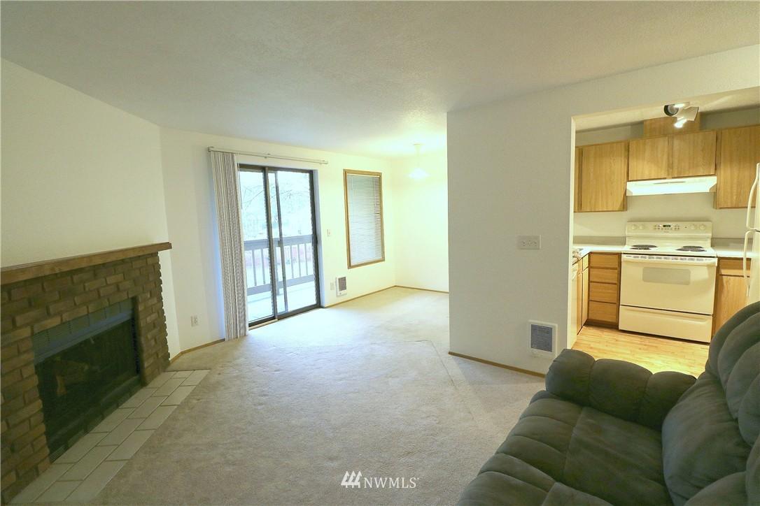 Sold Property | 17419 119th Lane SE #E24 Renton, WA 98058 2