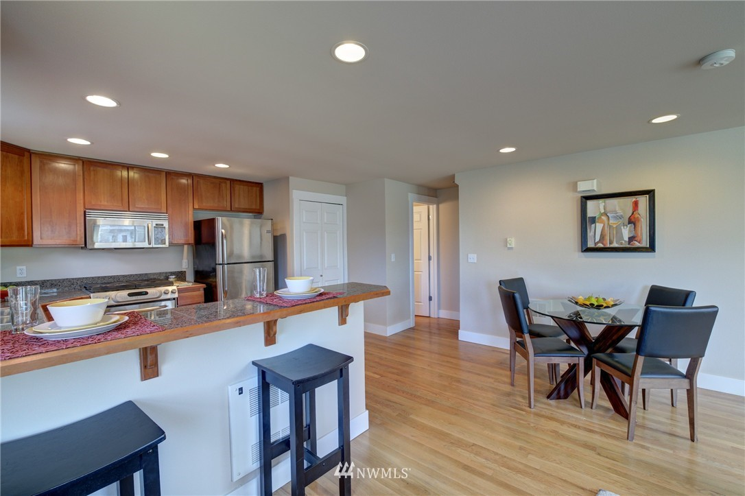 Sold Property | 8532 Stone Avenue N #B Seattle, WA 98103 6