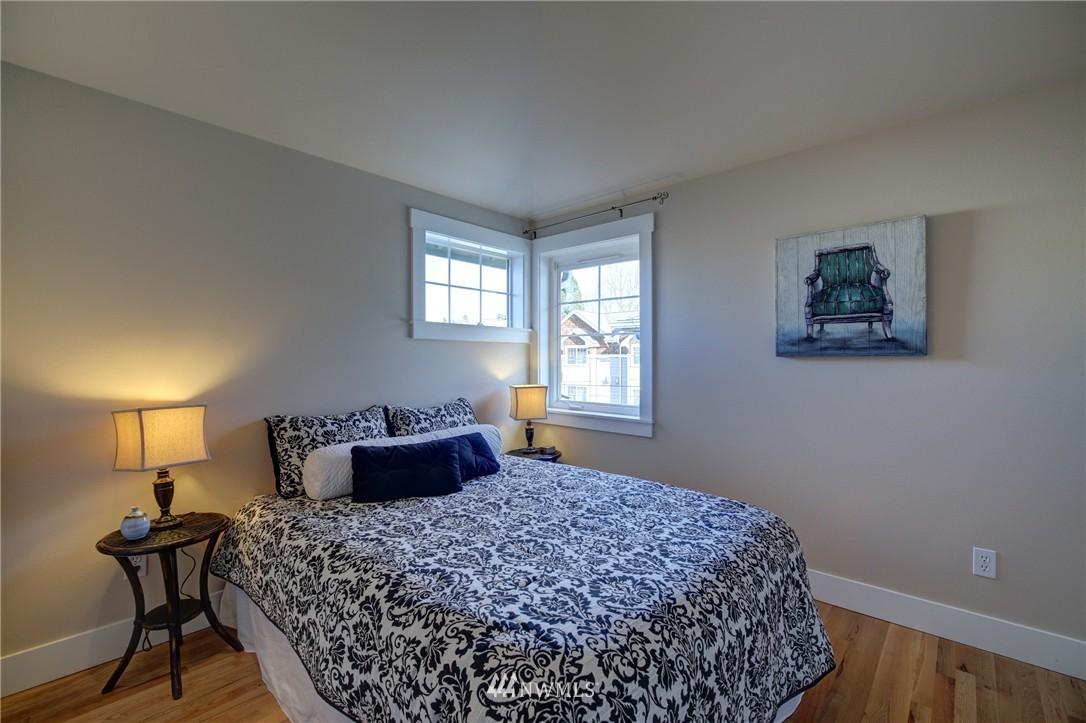 Sold Property | 8532 Stone Avenue N #B Seattle, WA 98103 14