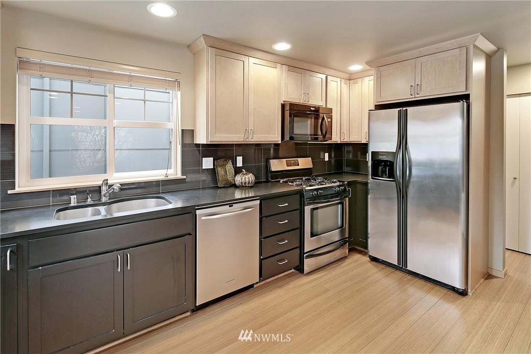 Sold Property | 2251 NW 64th Street Seattle, WA 98107 5