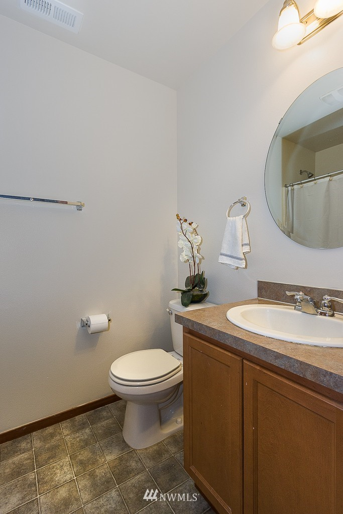 Sold Property   1516 50th Street NE Auburn, WA 98002 6