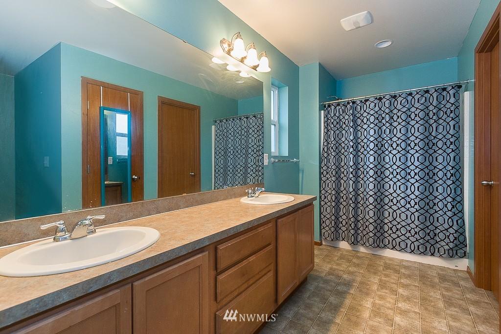 Sold Property   1516 50th Street NE Auburn, WA 98002 9