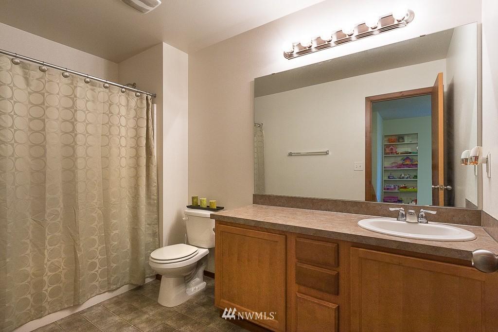 Sold Property   1516 50th Street NE Auburn, WA 98002 12