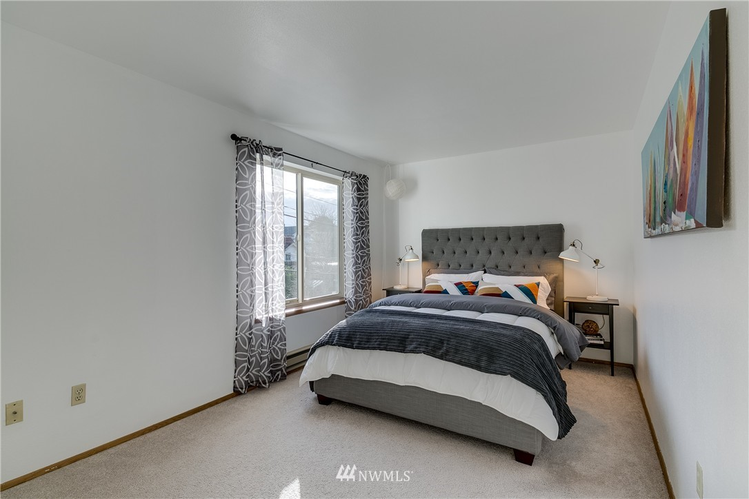 Sold Property   4421 Greenwood Avenue N #301 Seattle, WA 98103 9