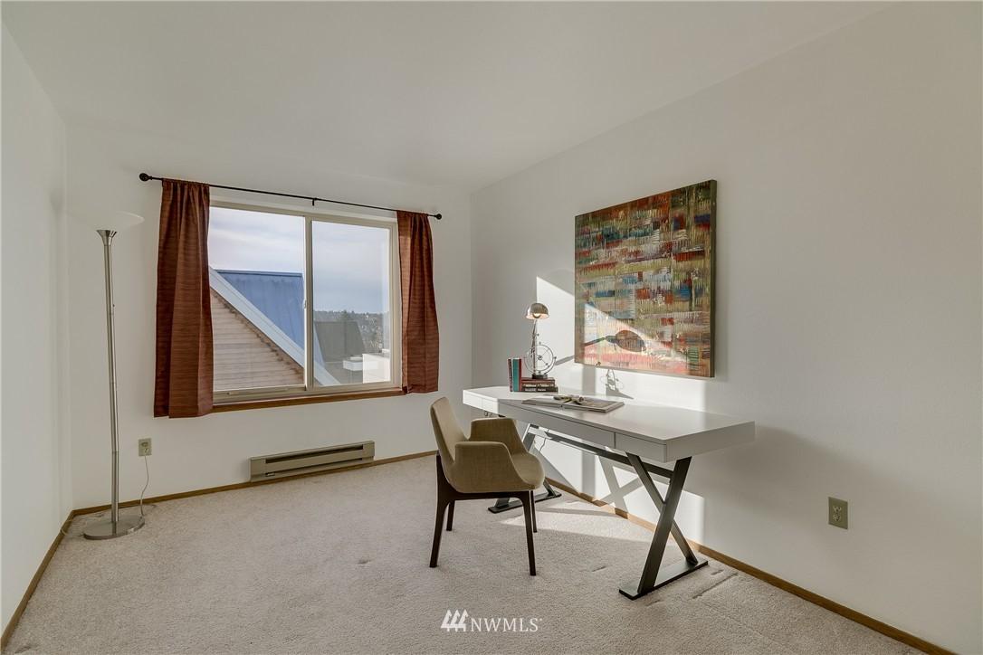 Sold Property   4421 Greenwood Avenue N #301 Seattle, WA 98103 13