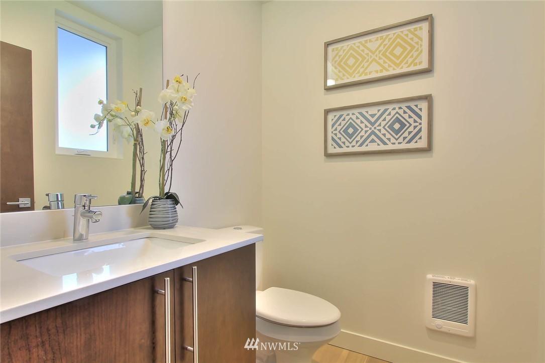 Sold Property | 708 11th Avenue E Seattle, WA 98102 12