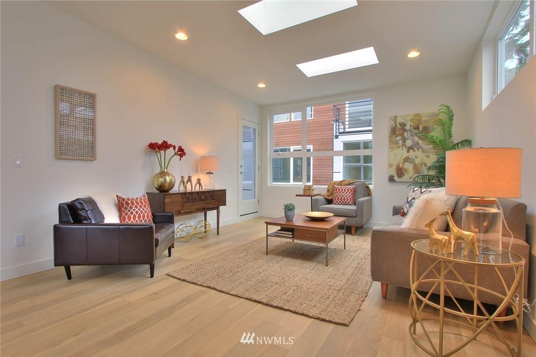 Sold Property | 708 11th Avenue E Seattle, WA 98102 14