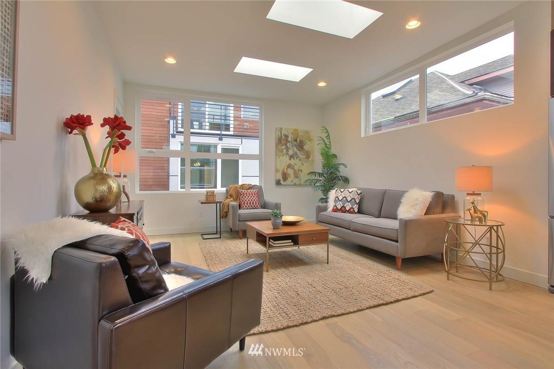 Sold Property | 708 11th Avenue E Seattle, WA 98102 15