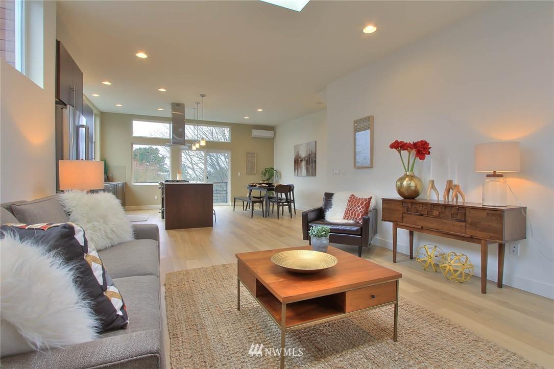 Sold Property | 708 11th Avenue E Seattle, WA 98102 13