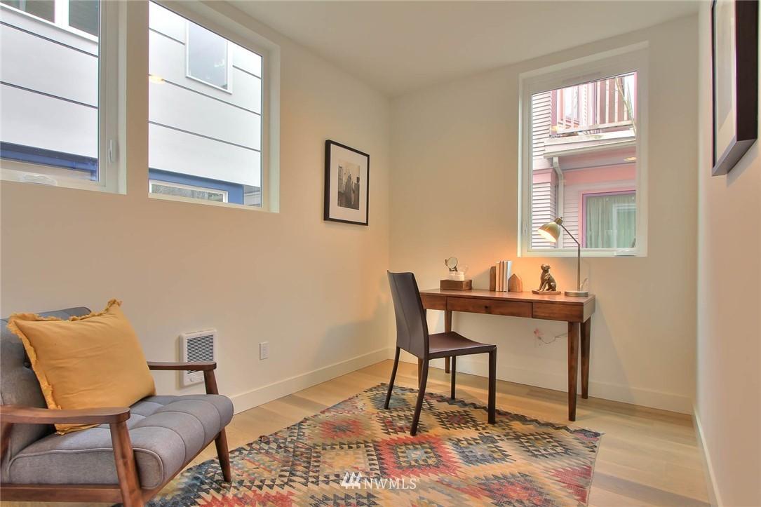 Sold Property | 708 11th Avenue E Seattle, WA 98102 6