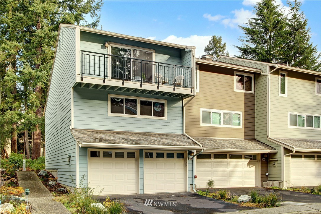 Sold Property | 738 N 161st Place Shoreline, WA 98133 0