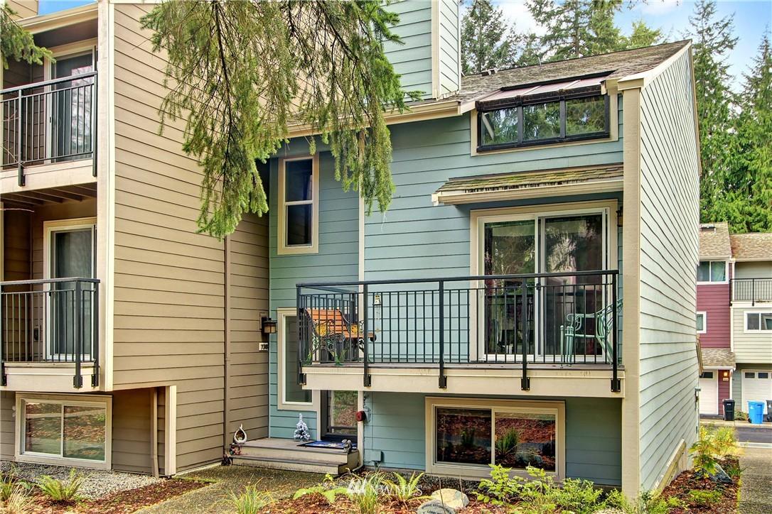Sold Property | 738 N 161st Place Shoreline, WA 98133 1