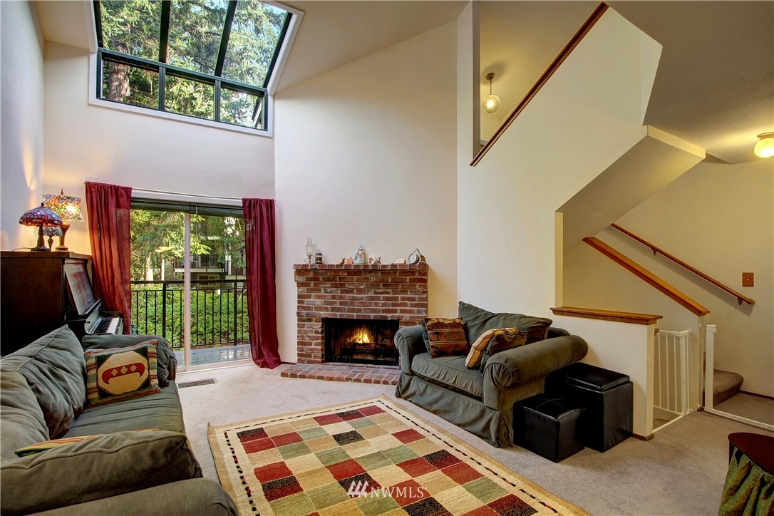 Sold Property | 738 N 161st Place Shoreline, WA 98133 2