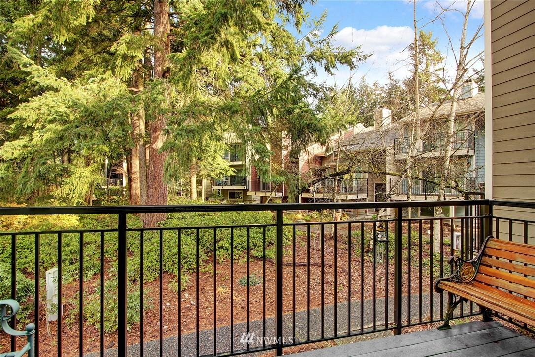 Sold Property | 738 N 161st Place Shoreline, WA 98133 4