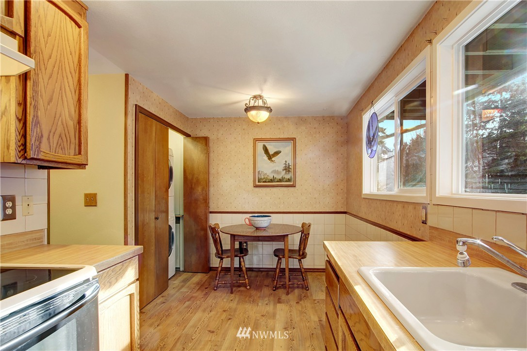 Sold Property | 738 N 161st Place Shoreline, WA 98133 7