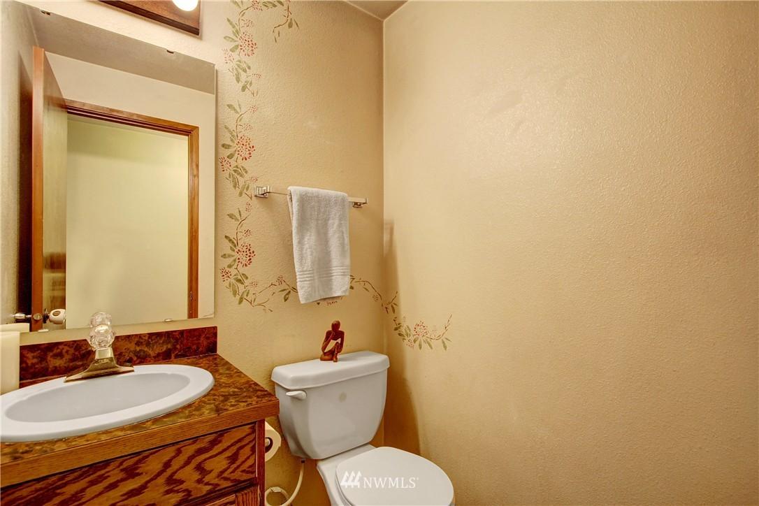 Sold Property | 738 N 161st Place Shoreline, WA 98133 8