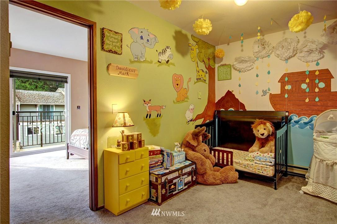 Sold Property | 738 N 161st Place Shoreline, WA 98133 9