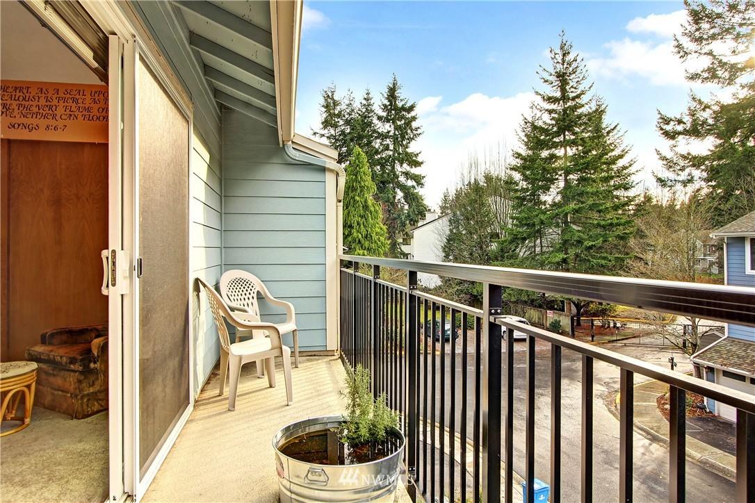 Sold Property | 738 N 161st Place Shoreline, WA 98133 12