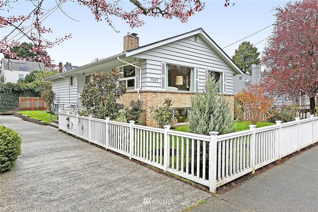 Sold Property | 7507 17th Avenue NW Seattle, WA 98117 0