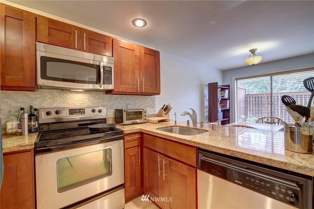 Sold Property | 2605 E Madison Street #2605 Seattle, WA 98112 0