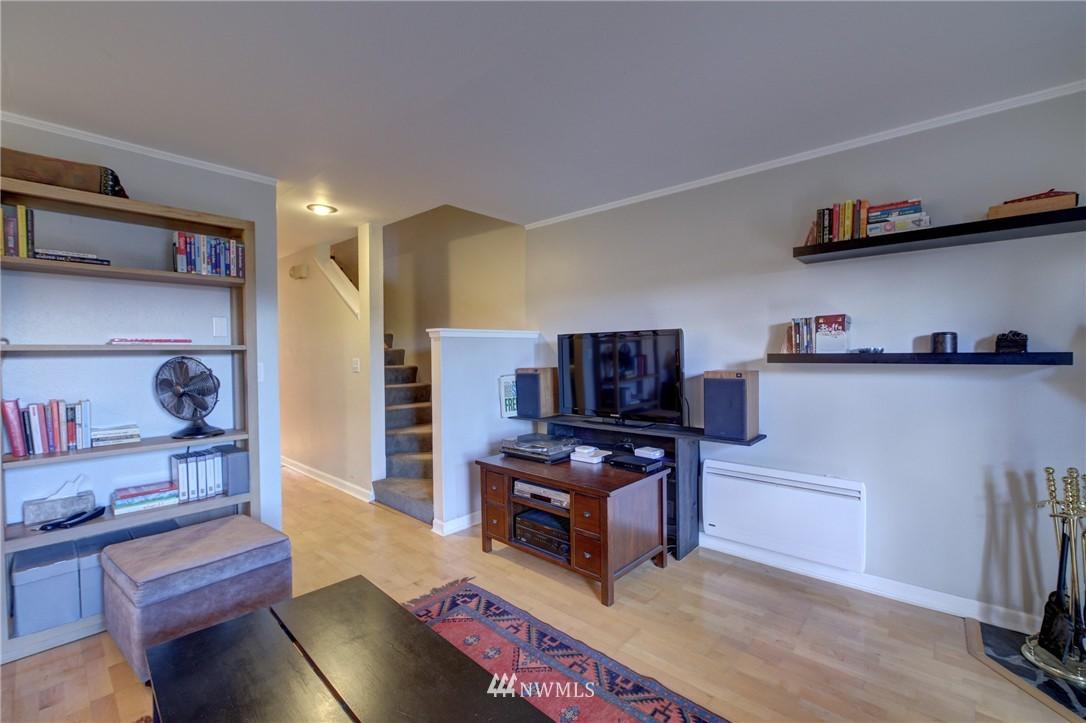 Sold Property | 2605 E Madison Street #2605 Seattle, WA 98112 5