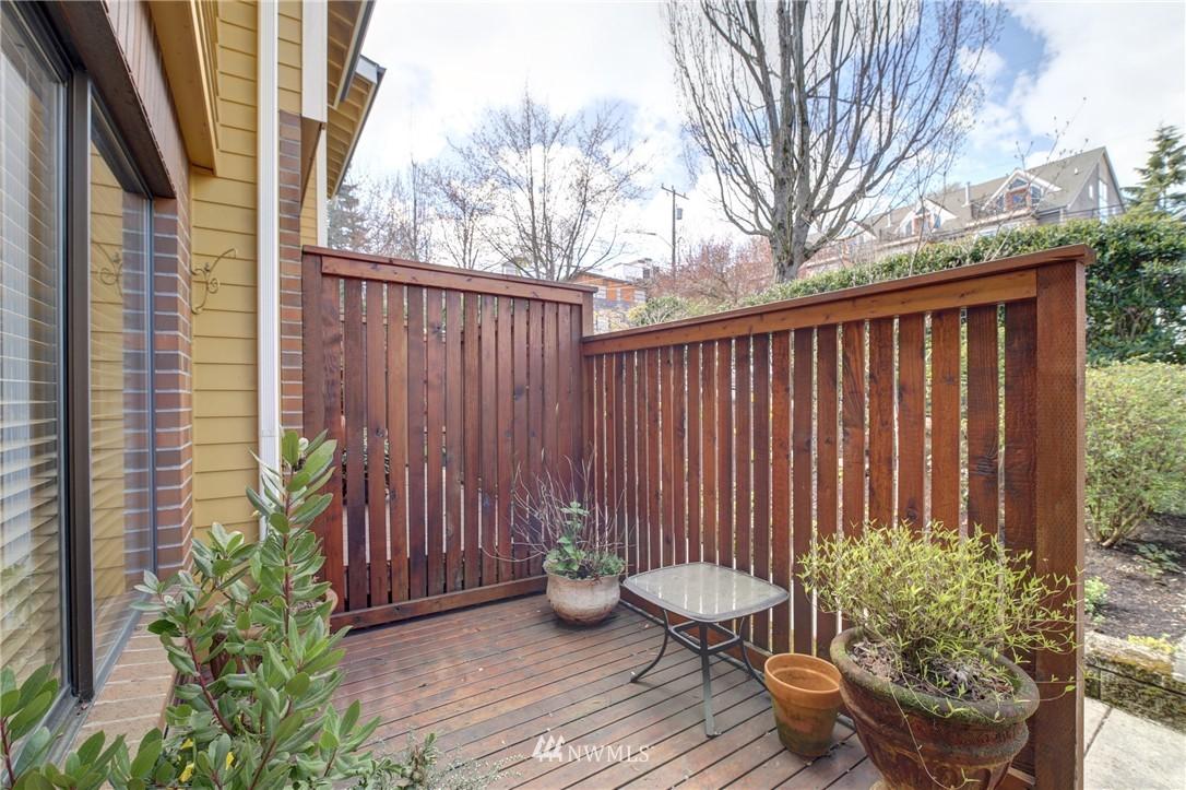 Sold Property | 2605 E Madison Street #2605 Seattle, WA 98112 13