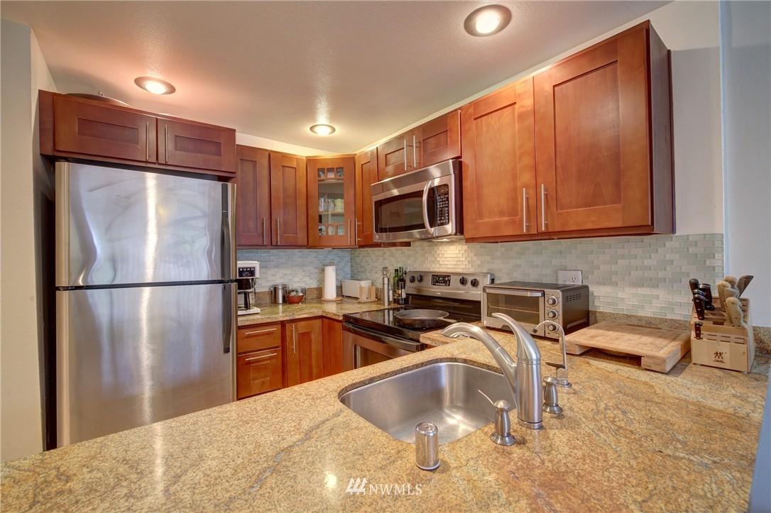 Sold Property | 2605 E Madison Street #2605 Seattle, WA 98112 1