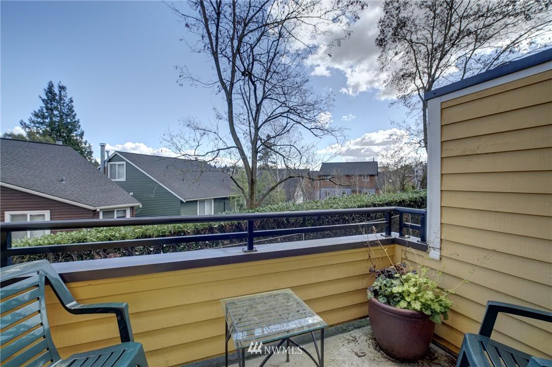 Sold Property | 2605 E Madison Street #2605 Seattle, WA 98112 6