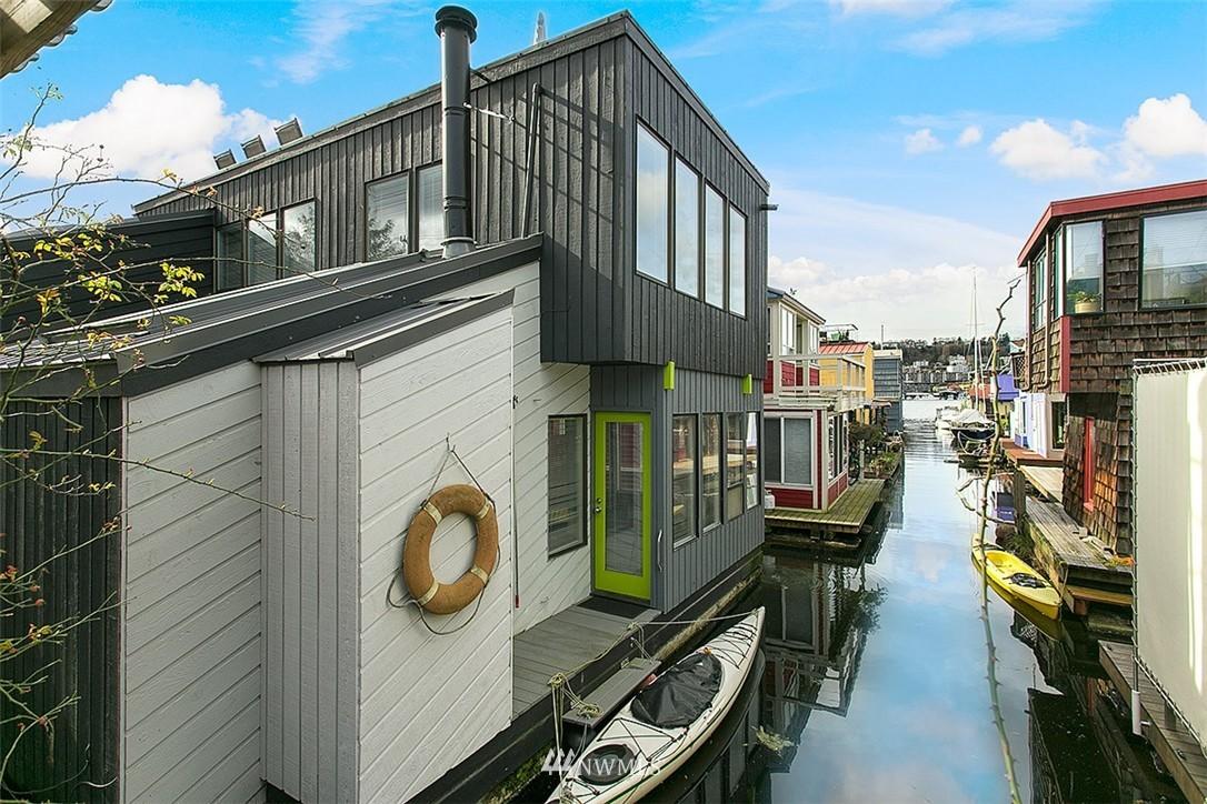 Sold Property | 2219 Fairview Avenue E #2 Seattle, WA 98102 0