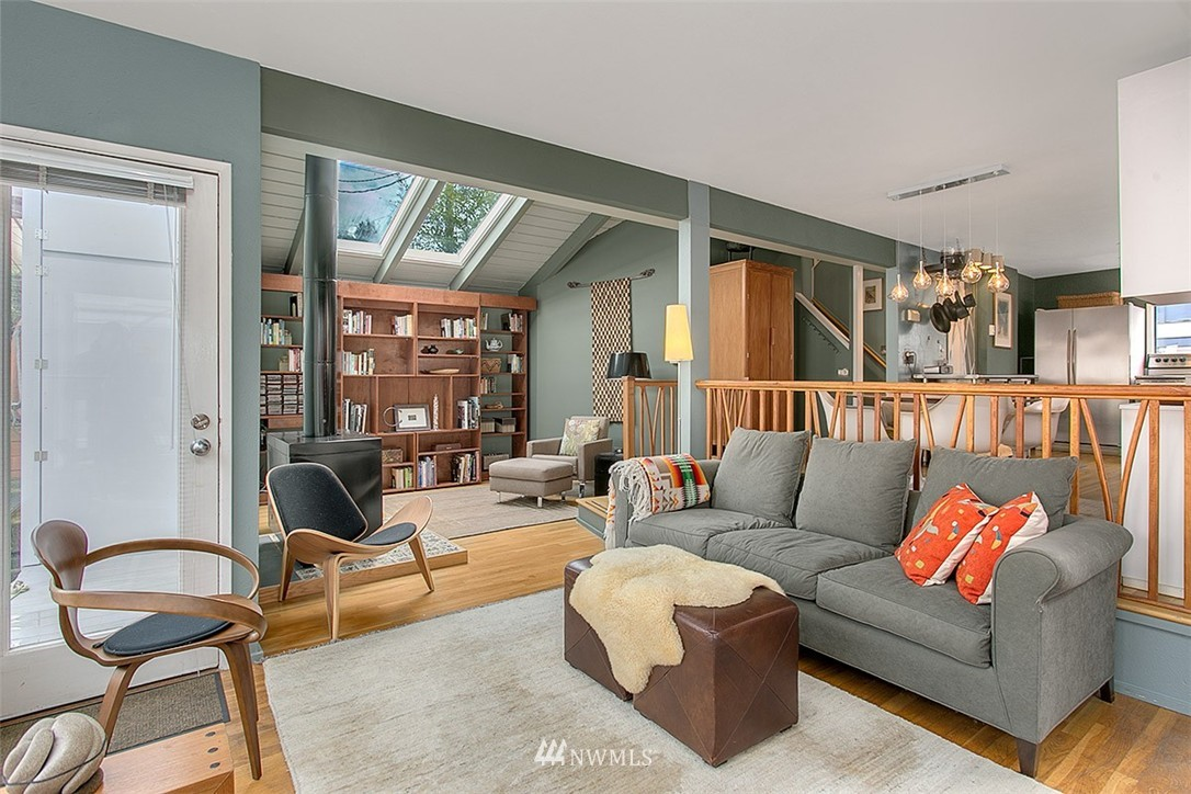 Sold Property | 2219 Fairview Avenue E #2 Seattle, WA 98102 3