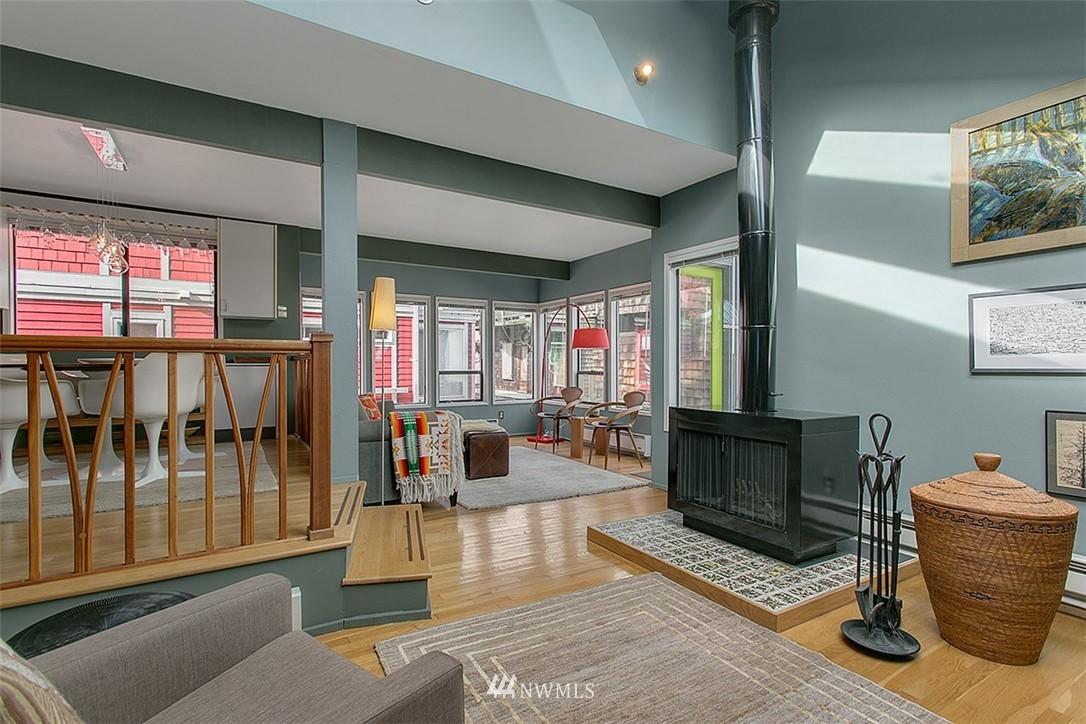Sold Property | 2219 Fairview Avenue E #2 Seattle, WA 98102 4