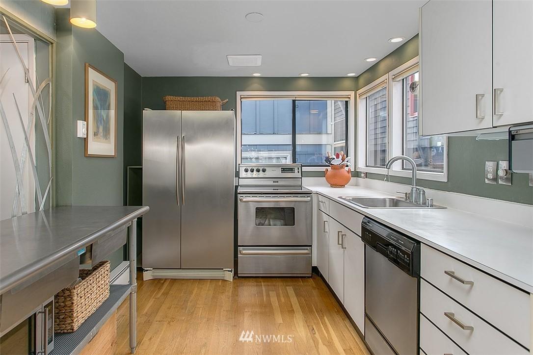 Sold Property | 2219 Fairview Avenue E #2 Seattle, WA 98102 7