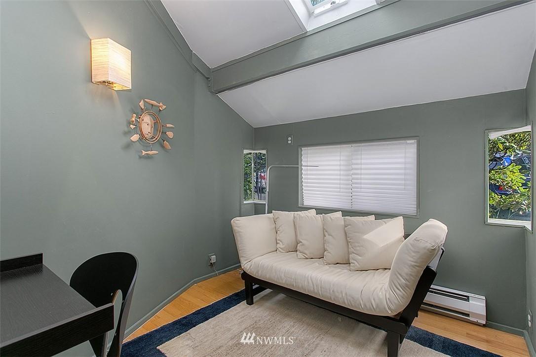 Sold Property | 2219 Fairview Avenue E #2 Seattle, WA 98102 8