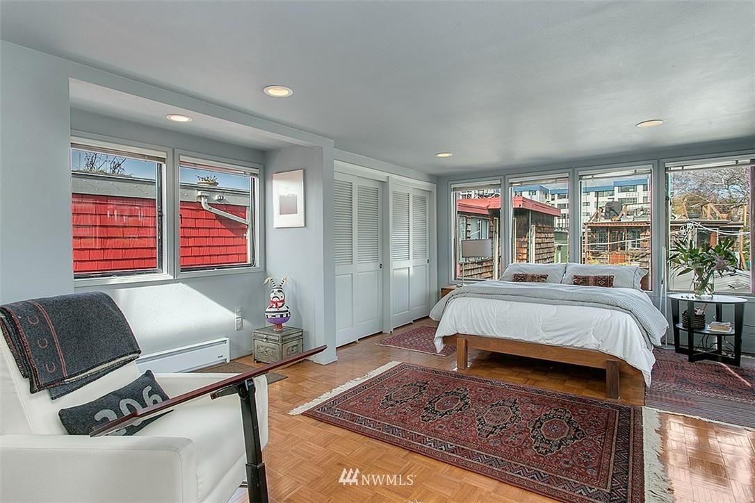 Sold Property | 2219 Fairview Avenue E #2 Seattle, WA 98102 11