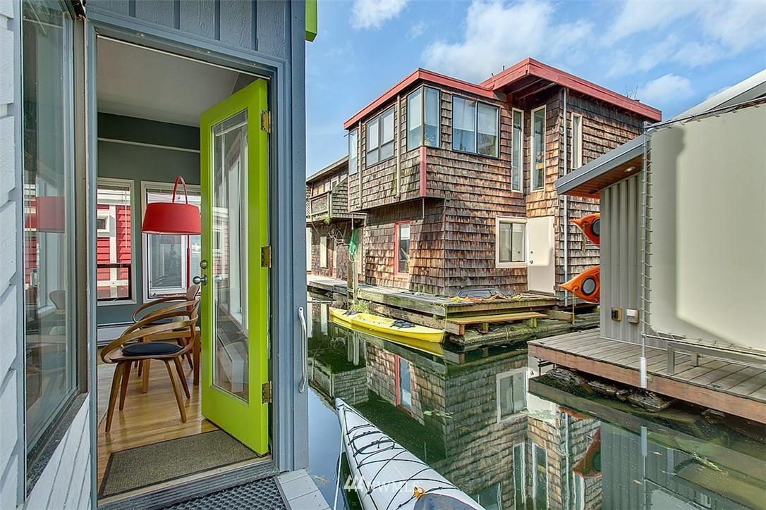 Sold Property | 2219 Fairview Avenue E #2 Seattle, WA 98102 13