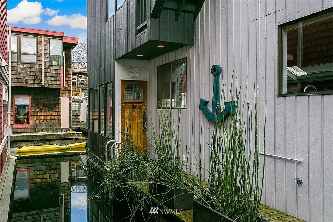 Sold Property | 2219 Fairview Avenue E #2 Seattle, WA 98102 14