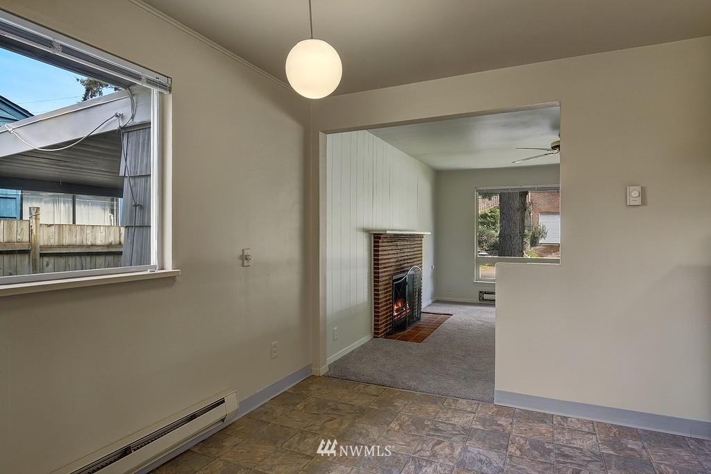 Sold Property | 5923 47th Avenue S Seattle, WA 98118 2