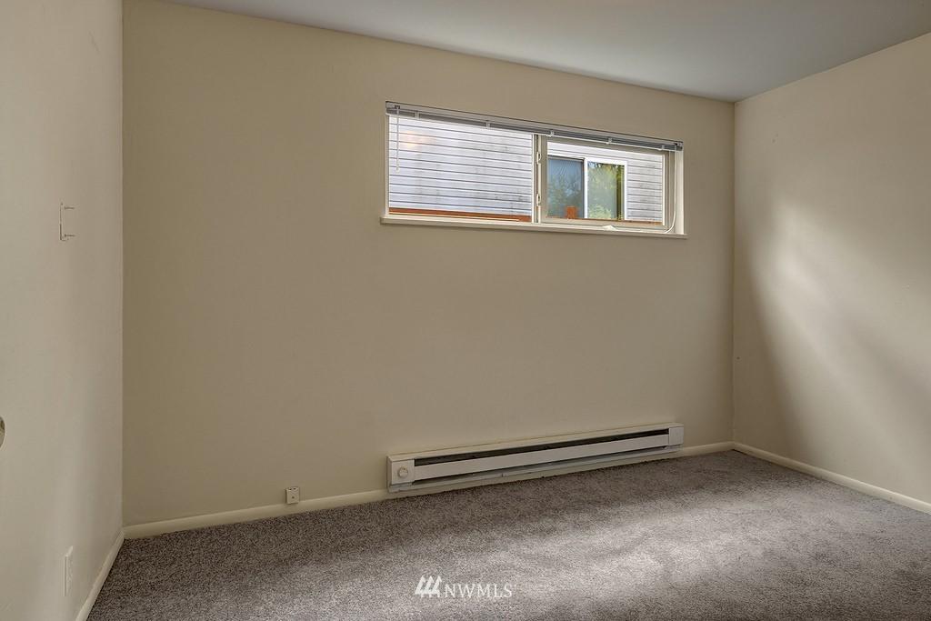 Sold Property | 5923 47th Avenue S Seattle, WA 98118 5