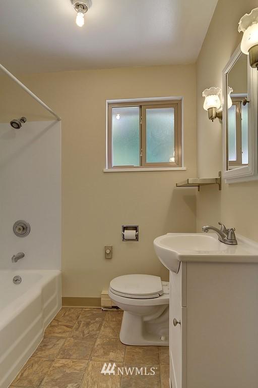 Sold Property | 5923 47th Avenue S Seattle, WA 98118 7