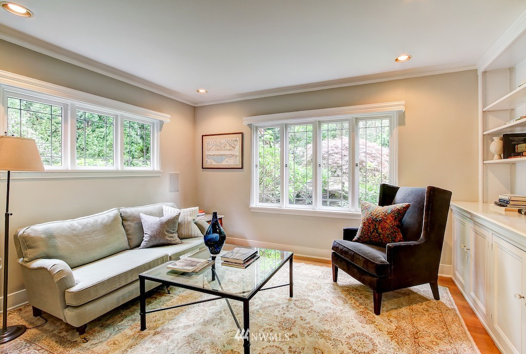 Sold Property | 521 36th Avenue E Seattle, WA 98112 4