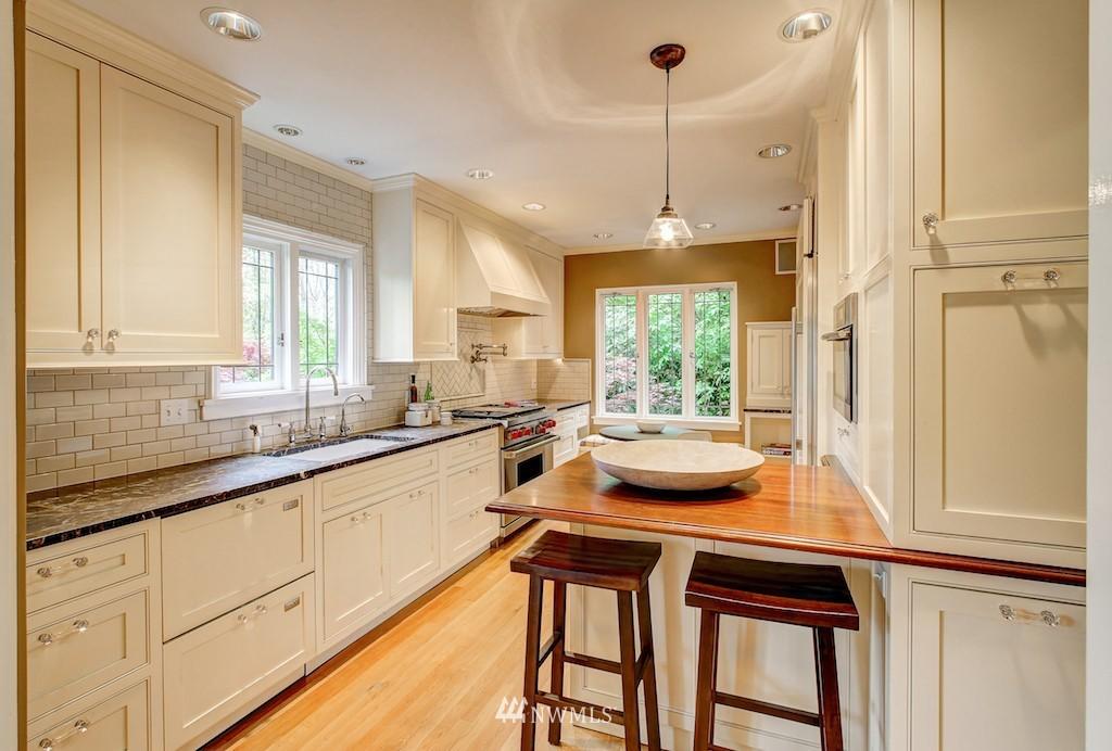 Sold Property | 521 36th Avenue E Seattle, WA 98112 6
