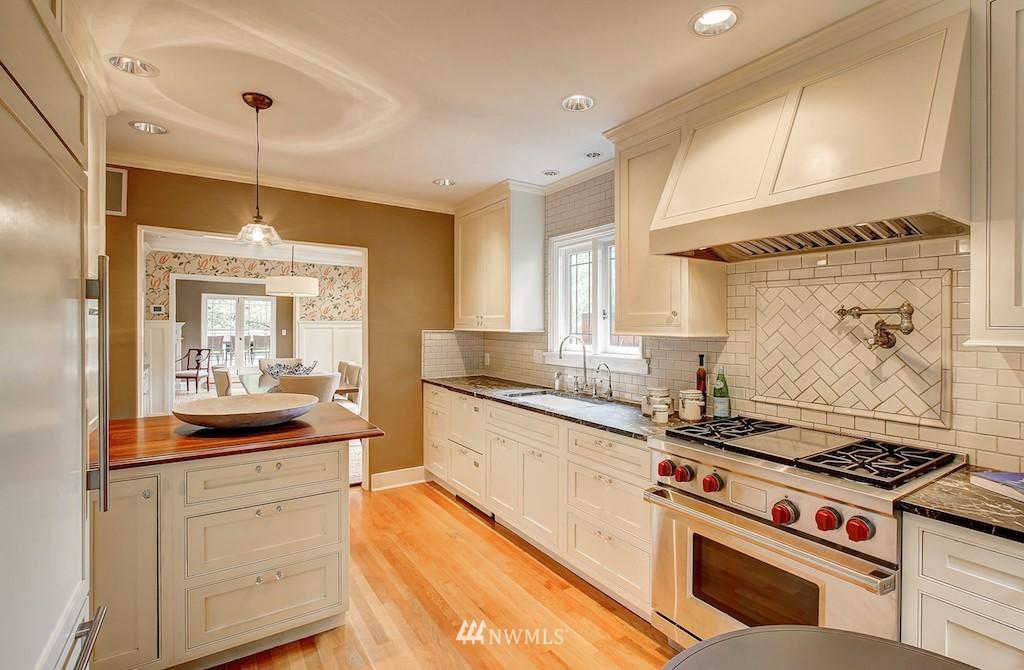 Sold Property | 521 36th Avenue E Seattle, WA 98112 7