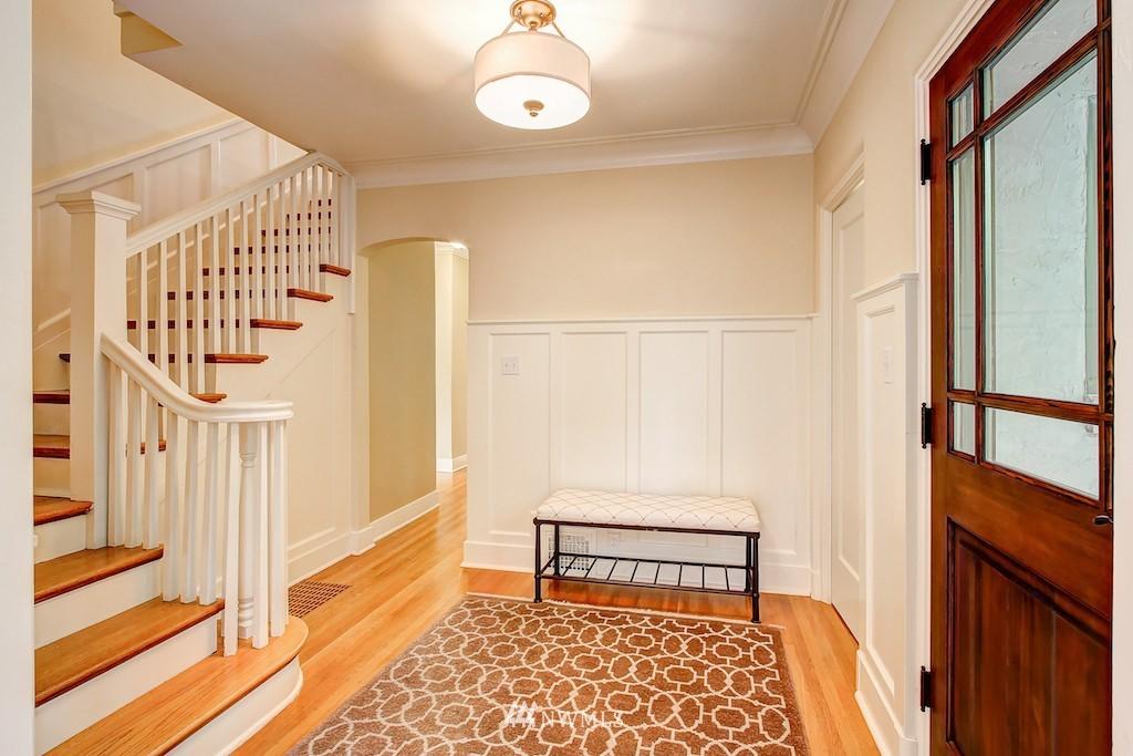 Sold Property | 521 36th Avenue E Seattle, WA 98112 8