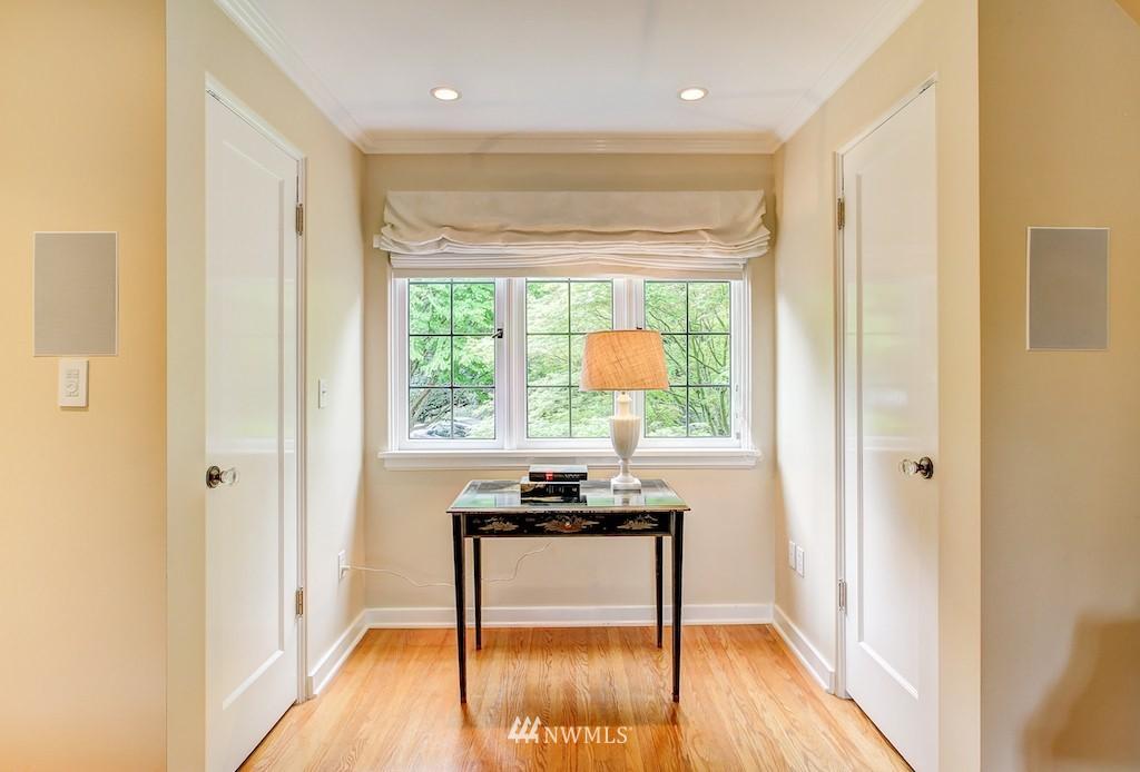 Sold Property | 521 36th Avenue E Seattle, WA 98112 11