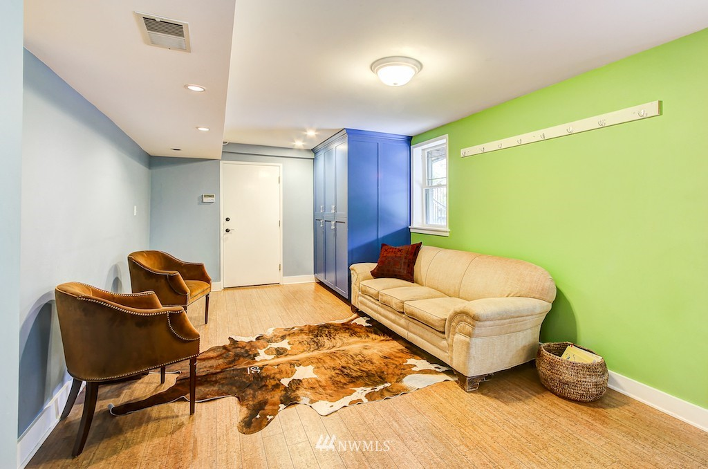 Sold Property | 521 36th Avenue E Seattle, WA 98112 16