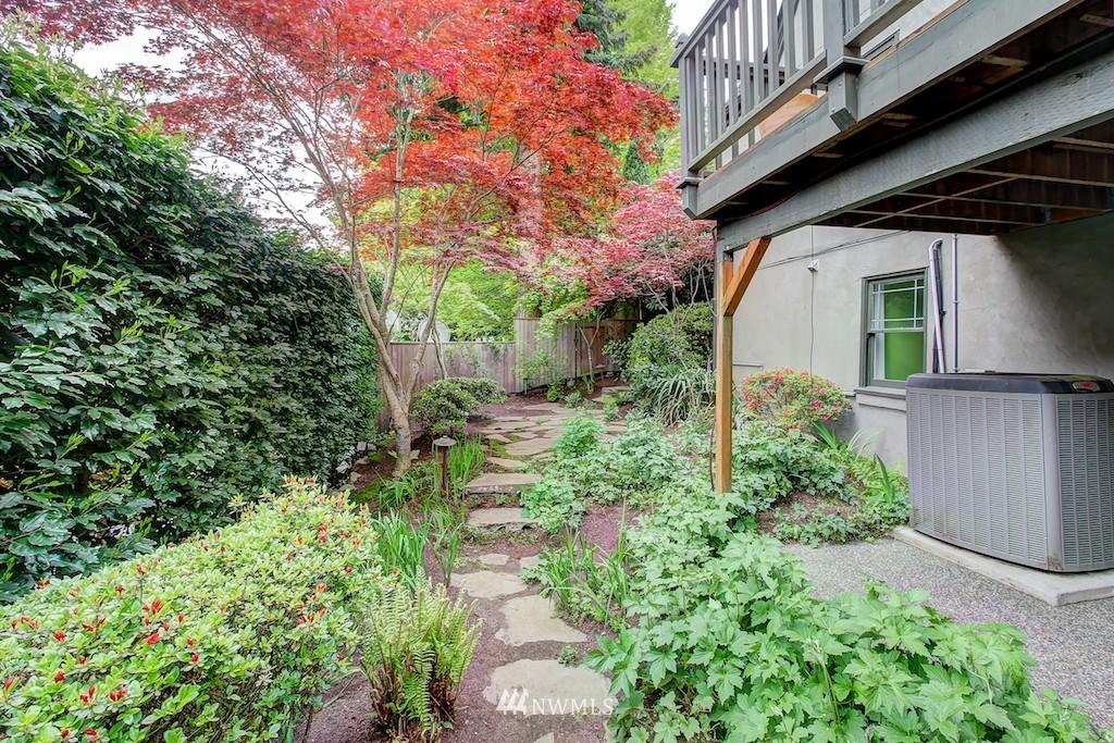 Sold Property | 521 36th Avenue E Seattle, WA 98112 21